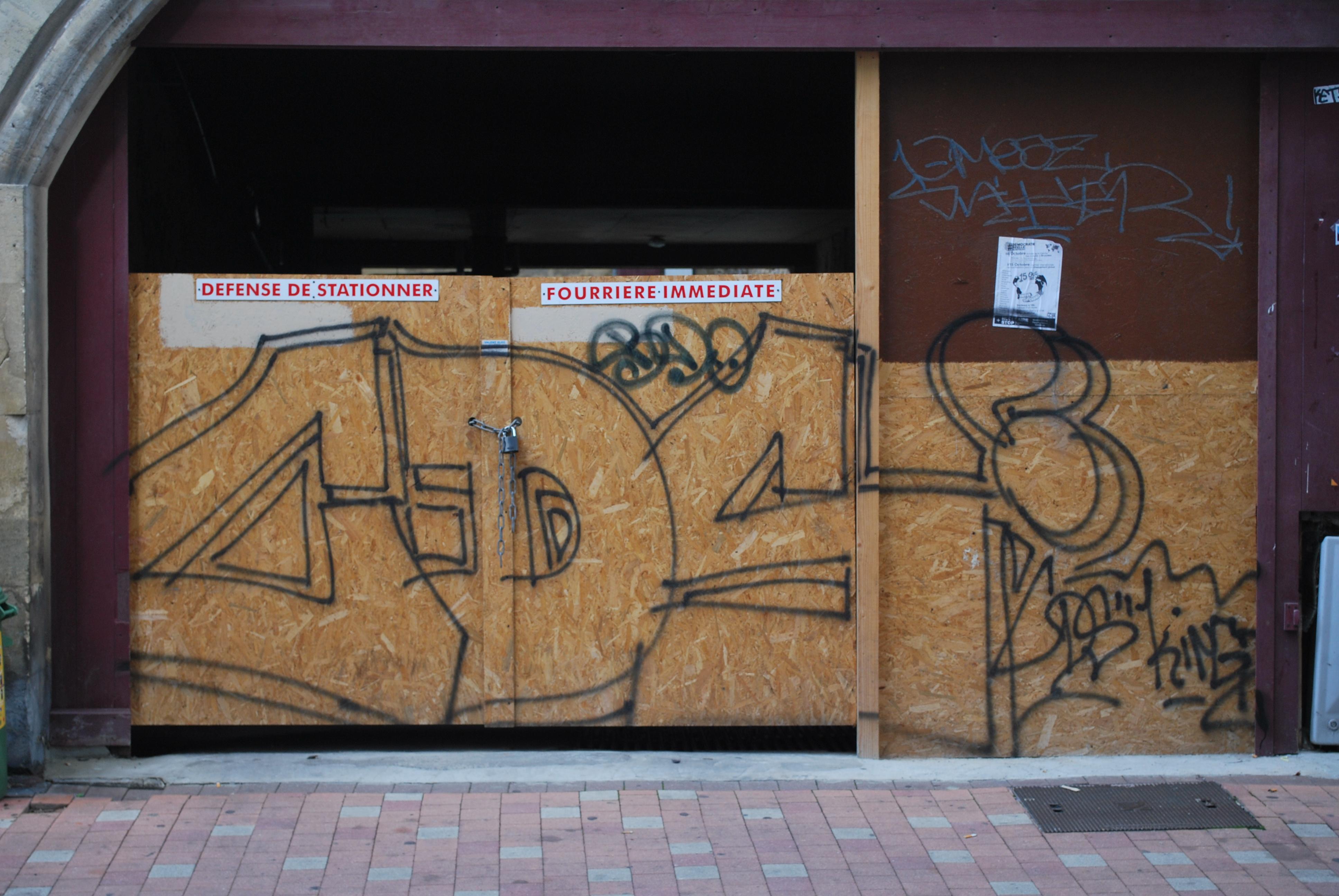 cds faire le murfaire le mur street art bordeaux et ailleurs. Black Bedroom Furniture Sets. Home Design Ideas